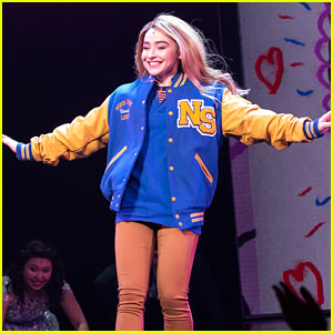 Sabrina Carpenter Takes First Bow in 'Mean Girls' After Making Her Broadway Debut!