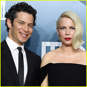 Pregnant Michelle Williams Marries Thomas Kail in Secret Wedding Ceremony (Report)