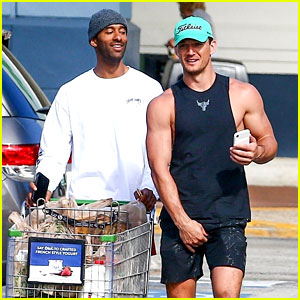 Tyler Cameron Stocks Up on Groceries with BFF Matt James in Florida
