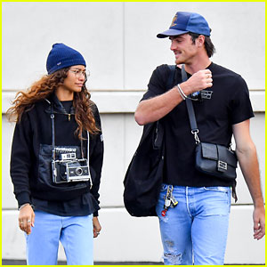 Zendaya & Jacob Elordi Go Shopping at a Flea Market with Her Mom!