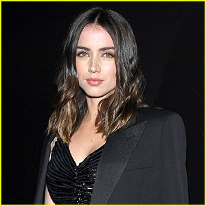 Ana de Armas Blocked a Fan Account on Twitter & Now The Account Owner Is Speaking Out