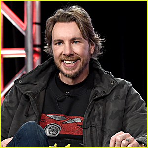 Dax Shepard Does Surgery On Himself & Pulls Pin Out of His Broken Arm