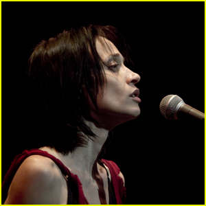 Fiona Apple Announces Release Date for New Album 'Fetch the Bolt Cutters'!