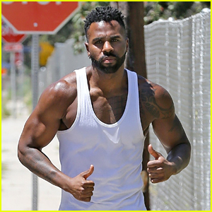 Jason Derulo Seemingly Shaves Off His Eyebrow After Losing a Bet