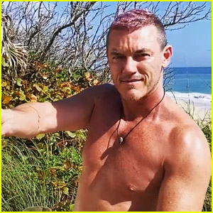 Luke Evans Dyes His Hair Pink While in Quarantine!