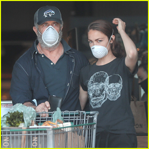 Mel Gibson Stocks Up on Groceries With Girlfriend Rosalind Ross