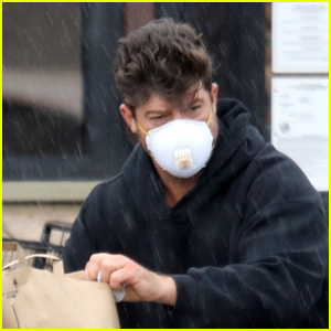 Robin Thicke Stays Safe for a Shopping Trip in the Rain Amid Quarantine in Malibu