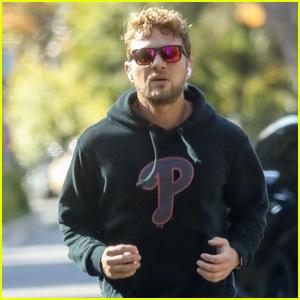 Ryan Phillippe Goes for a Jog Amid Quarantine in Santa Monica