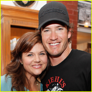 Tiffani Thiessen Gifts 'Saved by the Bell' Co-Star Mark Paul Gosselaar with Fresh Produce from Her Garden!