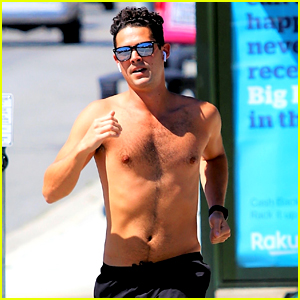 Bachelor Nation's Wells Adams Goes Shirtless for a Run in L.A.