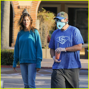 Adam Sandler & Wife Jackie Pick Up Food for the Family in Malibu
