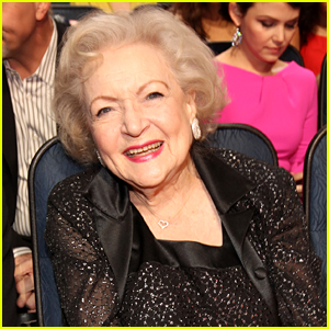Betty White To Star in Christmas Movie on Lifetime