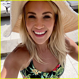 Carrie underwood shows off bikini body Carrie Underwood Shows Off Her Bikini Body in Her Own Swimwear Line 8211 Just Jared