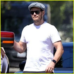Chris Pratt Spends Memorial Day with His Family in L.A.