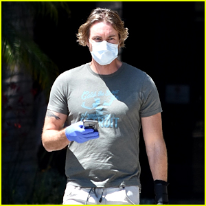 Dax Shepard Wears New Arm Brace While Running Errands in LA