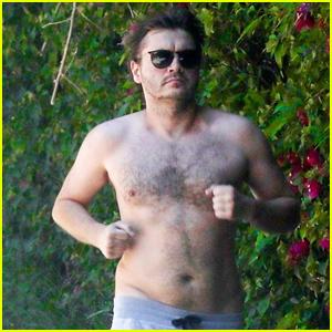 Emile Hirsch Goes for Shirtless Jog in Beverly Hills