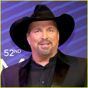 Garth Brooks Surprises Fans By Announcing New Music Is Being Released Tonight!