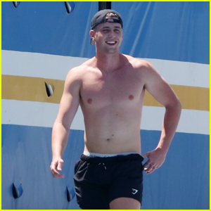 Too Hot To Handle's Harry Jowsey Works Out Shirtless in LA