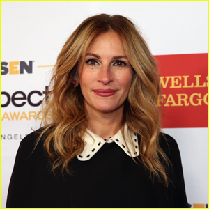 Julia Roberts Wears a Face Mask With This President's Image