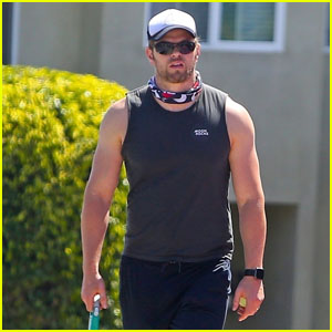 Kellan Lutz Enjoys a Morning Walk With His Dog in LA Amid Pandemic