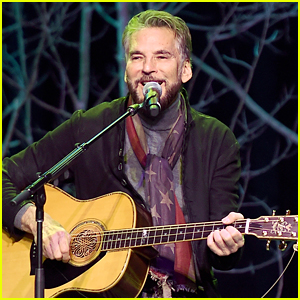 Kenny Loggins Played at an Empty Hollywood Bowl for a Special Live Stream Concert!