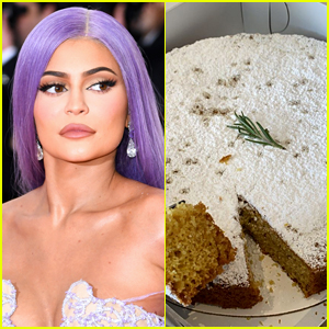 Kylie Jenner Trolls Those Who Have a Problem With How She Cut Her Mother's Day Cake