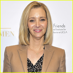 Lisa Kudrow Had To Instruct Family To Not Hug Each Other at Her Mother's Funeral
