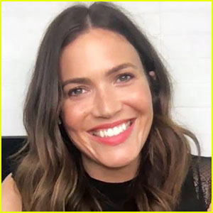 Mandy Moore Says She Gets Called 'Bigfoot' But Isn't Proud Of Her Size-10 Feet