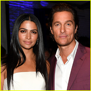 Matthew McConaughey & Wife Camila Donate 110,000 Masks to Hospitals in Texas