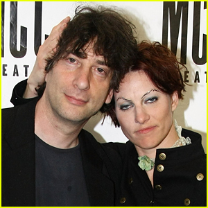 Neil Gaiman's Latest GoodReads Pick Is a Dig at Estranged Wife Amanda Palmer (Update: He Was Hacked!)