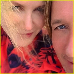 Nicole Kidman Shares a Cute Selfie With Keith Urban & Gives a Status Update About Broken Ankle