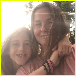 Alicia Silverstone Takes Baths With 9-Year-Old Son Bear in Quarantine