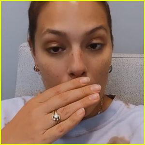Ashley Graham Reveals She Broke Her Tooth on Her Mother's Oatmeal Cookies!