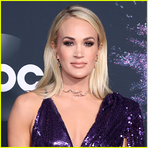 Carrie Underwood Plans On Releasing a Full-Length Christmas Album This Year!