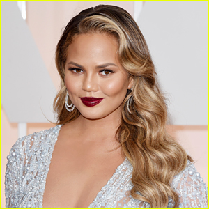 Chrissy Teigen Gifts Cravings Care Packages To Lucky L.A. Restaurant Workers