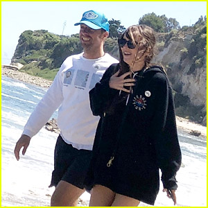 Dakota Johnson & Chris Martin Hit the Beach with His Kids in Malibu
