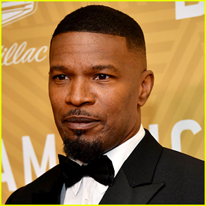 Jamie Foxx Sings for Protestors at Rally for George Floyd