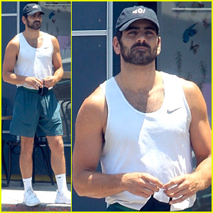 Nyle DiMarco's Toned Muscles Are On Display in His Gym Clothes