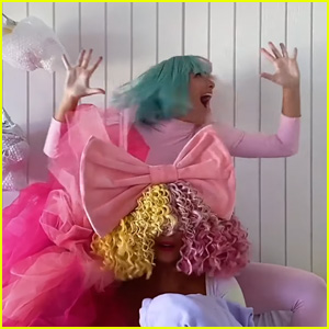 Sia Performs 'Together' at Home With Maddie Ziegler for 'Tonight Show' - Watch!