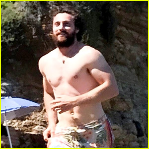 Aaron Taylor-Johnson Goes Shirtless During a Day at the Beach