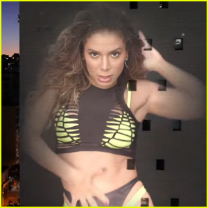 Anitta Films 'Tocame' Music Video While Under Quarantine - Watch Now!