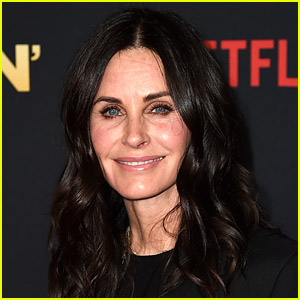 Courteney Cox Confirmed for 'Scream 5,' Will Play Gale Weathers Again!