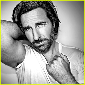 'Young Americans' Star Ed Quinn Celebrates the Show's 20th Anniversary with a New Photo Shoot!