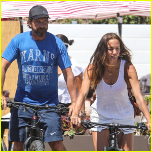 Gerard Butler & Girlfriend Morgan Brown Bike to Lunch in Malibu