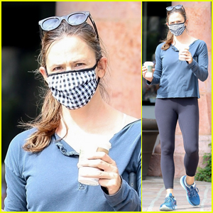 Jennifer Garner Wears a Mask on a Coffee Run With the Kids