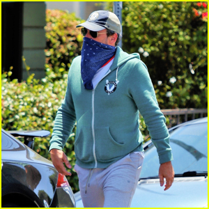 Jon Hamm Covers Up His Face While Grabbing Lunch in LA