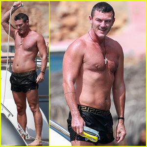 Luke Evans Showers Off His Shirtless Body on a Yacht in Ibiza!