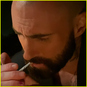 Maroon 5 S Nobody S Love Music Video Comes With Message About Ending War On Marijuana Watch Adam Levine First Listen Lyrics Maroon 5 Music Music Video Video Just Jared I'm tired of being single and nobody will ever love me. just jared