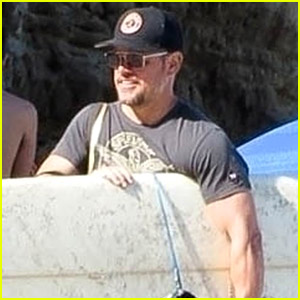 Matt Damon Goes Surfing at the Beach in Malibu