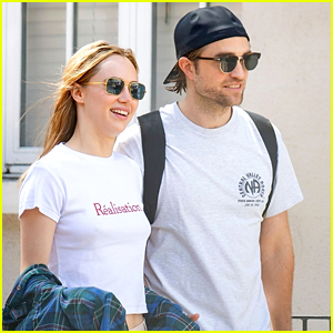 Robert Pattinson Walks Arm in Arm With Girlfriend Suki Waterhouse